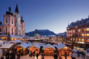 Čerti vSankt Sebastian aadventní trhy vMariazell